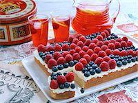 rectangle - Lemonade fruity flag tray bake cake Stock Photo - Premium Rights-Managednull, Code: 824-07586312