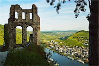View from Grevenburg Castle of Traben-Trarbach and Moselle River (Mosel), Rhineland-Palatinate, Germany, Europe Stock Photo - Premium Rights-Managednull, Code: 841-07590136
