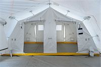 Emergency Response Team control tent Stock Photo - Premium Royalty-Freenull, Code: 649-07596625