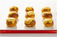 fungus - Mini brioches with a mushroom and lemon sauce Stock Photo - Premium Royalty-Freenull, Code: 659-07609986