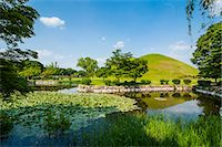 Tumuli park with its tombs from the Shilla monarchs, Gyeongju, UNESCO World Heritage Site, South Korea, Asia Stock Photo - Premium Rights-Managednull, Code: 841-07653422