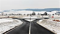 fork - Road and roundabout in snow Stock Photo - Premium Royalty-Freenull, Code: 6122-07697968