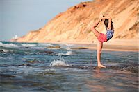 feet gymnast - Woman practicing yoga on beach Stock Photo - Premium Royalty-Freenull, Code: 6122-07707432