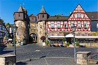 Street scene with old, half-timbered houses in the old town, Braunfels, Lahn-Dill County, Hesse, Germany Stock Photo - Premium Rights-Managednull, Code: 700-07783876