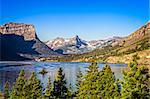 Landscape view of lake and mountain range in Glacier NP, Montana, USA