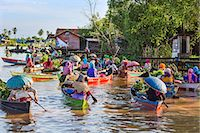 Indonesia, South Kalimatan, Lok Baintan. A picturesque floating market scene on the Barito River. Stock Photo - Premium Rights-Managednull, Code: 862-07909923