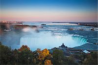 View of Table Rock visitor center and Horseshoe Falls, Niagara Falls, Niagara, border of New York State, and Ontario, Canada, North America Stock Photo - Premium Royalty-Freenull, Code: 6119-07943553