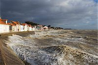 France, Les Moutiers-en-Retz, Stormy waves Stock Photo - Premium Rights-Managednull, Code: 877-08079165