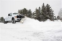 snow plow truck - Truck clearing snow Stock Photo - Premium Royalty-Freenull, Code: 649-08085903