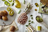 Green colored still life with pineapple and kiwi fruit Stock Photo - Premium Royalty-Freenull, Code: 649-08086757