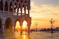 Italy, Veneto, Venice. Sunrise over Piazzetta San Marco and Doges palace Stock Photo - Premium Rights-Managednull, Code: 862-08090431