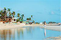 sandi model - South East Asia, Philippines, The Visayas, Cebu, Bantayan Island, Sugar Beach, girl walking on the beach (MR) Stock Photo - Premium Rights-Managednull, Code: 862-08091002