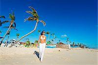 sandi model - South East Asia, Philippines, The Visayas, Cebu, Bantayan Island, Sugar Beach, girl walking on the beach (MR) Stock Photo - Premium Rights-Managednull, Code: 862-08091003