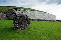 Newgrange, (Si an Bhru), prehistoric monument, Republic of Ireland Stock Photo - Premium Royalty-Freenull, Code: 600-08102732