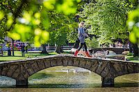 Stone, arch bridge crossing River Windrush, Bourton-on-the-Water, Gloucestershire, The Cotswolds, England, United Kingdom Stock Photo - Premium Rights-Managednull, Code: 700-08122117