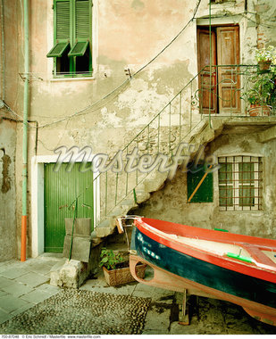 Boat by Building Cinque Terre, Italy    Stock Photo - Premium Rights-Managed, Artist: Eric Schmidt, Code: 700-00087048