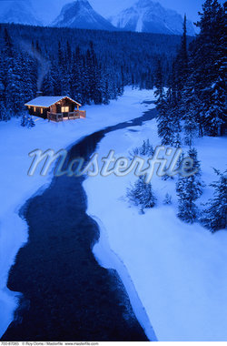 Cabin and River in Winter at Dusk Alberta, Canada    Stock Photo - Premium Rights-Managed, Artist: Roy Ooms, Code: 700-00087065