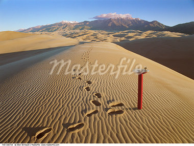 Footprints on Sand and Fountain    Stock Photo - Premium Rights-Managed, Artist: Allen Birnbach, Code: 700-00166718