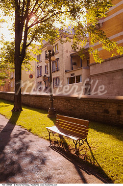 Empty Park Bench Old Quebec City Canada    Stock Photo - Premium Rights-Managed, Artist: Pierre Tremblay, Code: 700-00194424