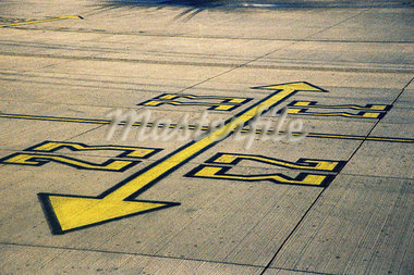 Runway direction markings Stock Photo - Premium Royalty-Freenull, Code: 618-00486077