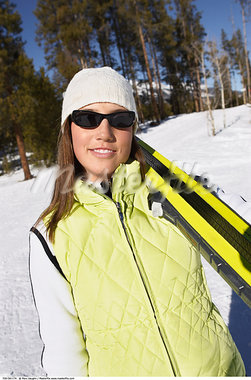 Woman with Skis    Stock Photo - Premium Rights-Managed, Artist: Marc Vaughn, Code: 700-00591174