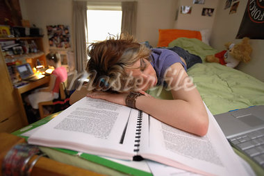College Students in Dorm    Stock Photo - Premium Rights-Managed, Artist: Gail Mooney, Code: 700-00910441