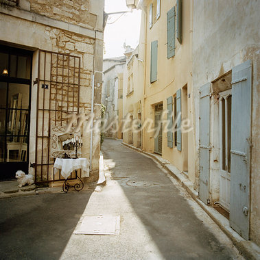 Street, St Remy de Provence, France    Stock Photo - Premium Rights-Managed, Artist: Derek Shapton, Code: 700-00918487