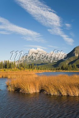 Vermillion Lake and Mount Rundle in Autumn, Banff National Park, Alberta, Canada    Stock Photo - Premium Royalty-Free, Artist: J. David Andrews, Code: 600-01345162