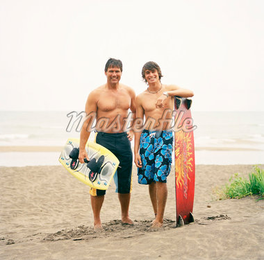 Father and Son with Wakeboards    Stock Photo - Premium Rights-Managed, Artist: Derek Shapton, Code: 700-01459112
