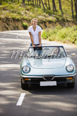 Women in Convertible    Stock Photo - Premium Royalty-Free, Artist: Masterfile, Code: 600-01459211