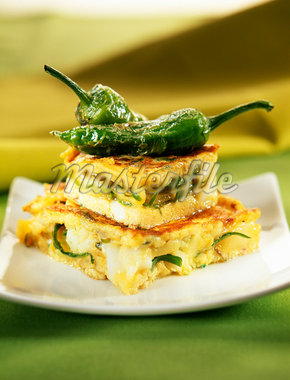 Potato,cod and green pepper omelette Stock Photo - Premium Royalty-Freenull, Code: 652-01670211