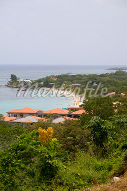 Tourist resorts on the beach, West Bay Beach, Roatan, Bay Islands, Honduras Stock Photo - Premium Royalty-Freenull, Code: 625-01751966