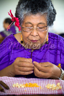 Woman Making Beaded Necklace, Niue Island, South Pacific    Stock Photo - Premium Rights-Managed, Artist: R. Ian Lloyd, Code: 700-01880026