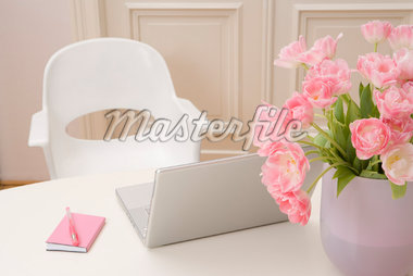 Laptop on Table    Stock Photo - Premium Rights-Managed, Artist: Marie Blum, Code: 700-02033940