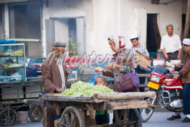 Family Shopping at Market, Kashgar, Xinjiang, China    Stock Photo - Premium Rights-Managed, Artist: F. Lukasseck, Code: 700-02200888