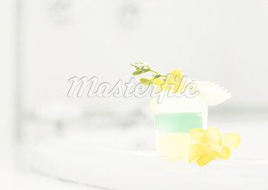 Flower and soap Stock Photo - Premium Royalty-Freenull, Code: 670-02309806