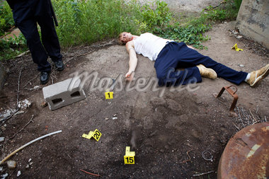 Police Officer by Evidence and Corpse on Crime Scene, Toronto, Ontario, Canada    Stock Photo - Premium Rights-Managed, Artist: Blue Images Online, Code: 700-02348261