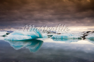 Iceberg on Jokulsarlon Lake, Iceland    Stock Photo - Premium Royalty-Free, Artist: F. Lukasseck, Code: 600-02348812