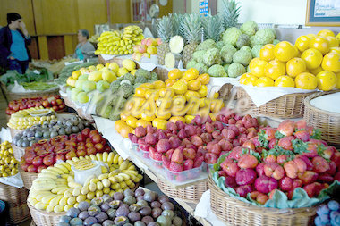 Portugal, Madeira, Funchal, stand of fruits and vegetables Stock Photo - Premium Royalty-Freenull, Code: 610-02374469