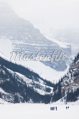 Lake Louise, Banff National Park, UNESCO World Heritage Site, Rocky Mountains, Alberta, Canada, North America    Stock Photo - Premium Rights-Managed, Artist: Robert Harding Images, Code: 841-02720331