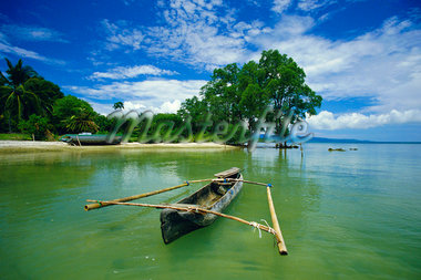 Outrigger canoe and beach, Ujong Kulon Reserve, Handeuleum Island, western Java, Indonesia    Stock Photo - Premium Rights-Managed, Artist: Robert Harding Images, Code: 841-02722761