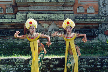 Dancers, Bali, Indonesia, Southeast Asia, Asia    Stock Photo - Premium Rights-Managed, Artist: Robert Harding Images, Code: 841-02824778