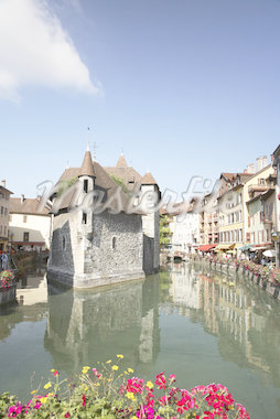 Palais de l'isle annecy Stock Photo - Premium Royalty-Freenull, Code: 614-02985327