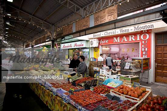 Market, Antibes, Alpes Maritimes, Provence, Cote d'Azur, French Riviera, France, Europe                                                                                                                  Stock Photo - Direito Controlado, Artist: Robert Harding Images    , Code: 841-03065511