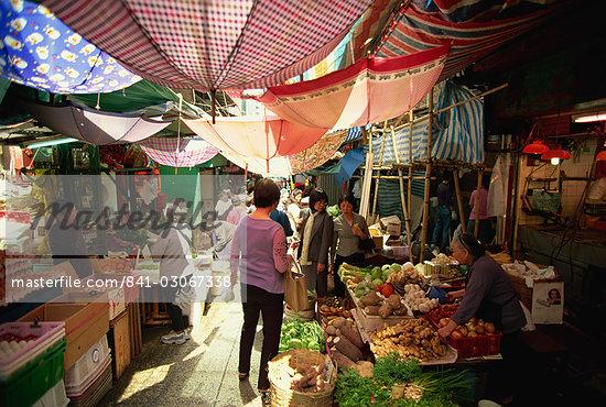 Street market, Hong Kong Island, Hong Kong, China, Asia                                                                                                                                                  Stock Photo - Direito Controlado, Artist: Robert Harding Images    , Code: 841-03067338