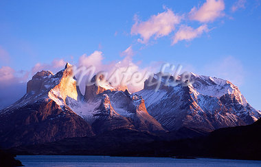 The Cuernos,Paine Massif at dawn seen across Lago Pehoe Stock Photo - Premium Rights-Managed, Artist: AWL Images, Code: 862-03352067
