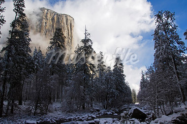 USA,California,Yosemite National Park. Fresh snow fall on El Capitan in Yosemite Valley. Stock Photo - Premium Rights-Managed, Artist: AWL Images, Code: 862-03437440