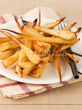 Oven-baked parsnips Stock Photo - Premium Royalty-Freenull, Code: 659-03530619