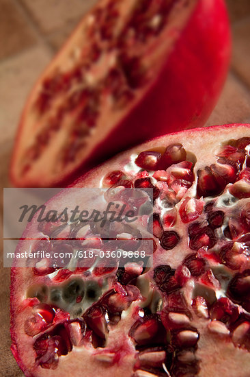 Pomegranate Stock Photo - Premium Royalty-Freenull, Code: 618-03609888
