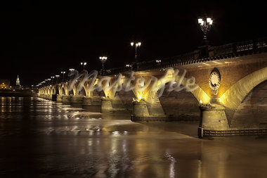Pont de Pierre at Night, Bordeaux, Gironde, Aquitaine, France Stock Photo - Premium Rights-Managed, Artist: Patrick Chatelain, Code: 700-03615842